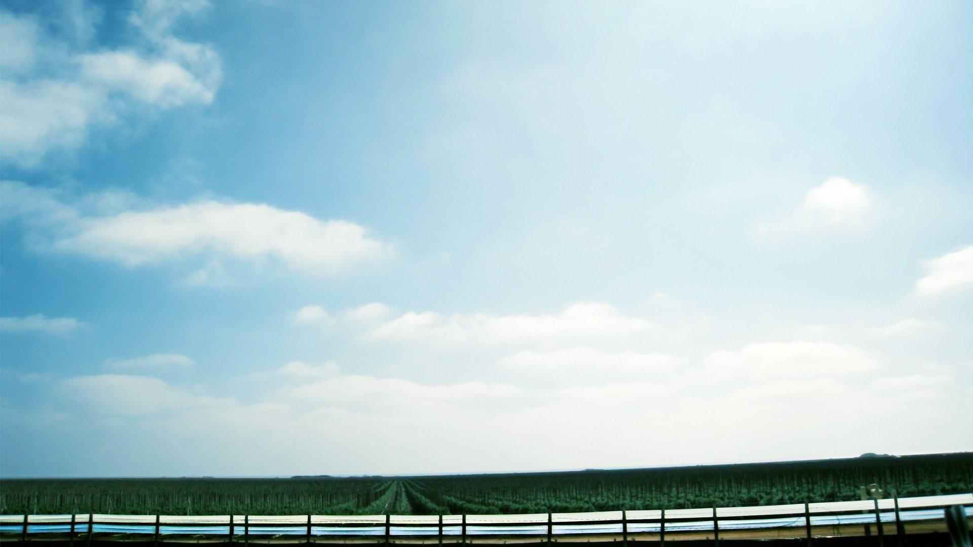 蓝天白云海滩 壁纸14   蓝天白云壁纸_xp蓝天白云壁纸_蓝天高清图片